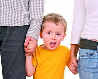 усыновление отчимом ребенка жены Тут